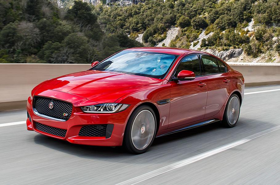 Motori, grandi novità in casa Jaguar: nuovo design per il modello XE