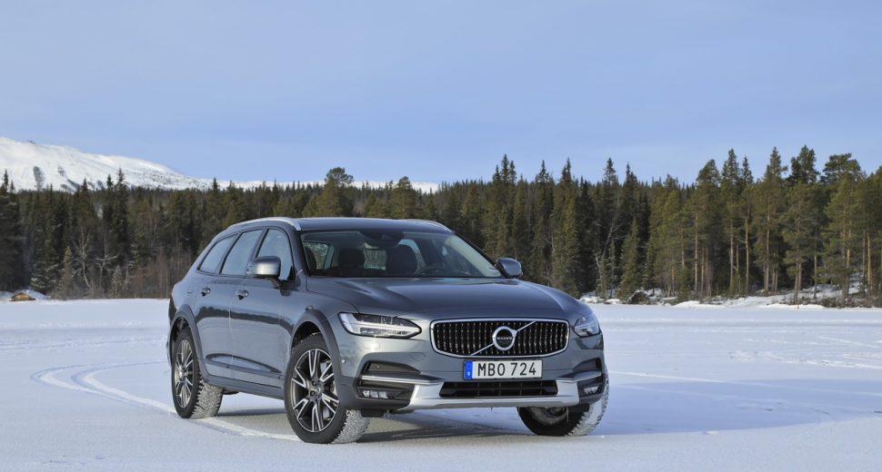 Volvo V90 D5 AWD Cross Country 2017 à l'essai