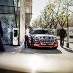 Audi dévoile l'intérieur de son premier modèle tout-électrique : l'Audi e-tron prototype